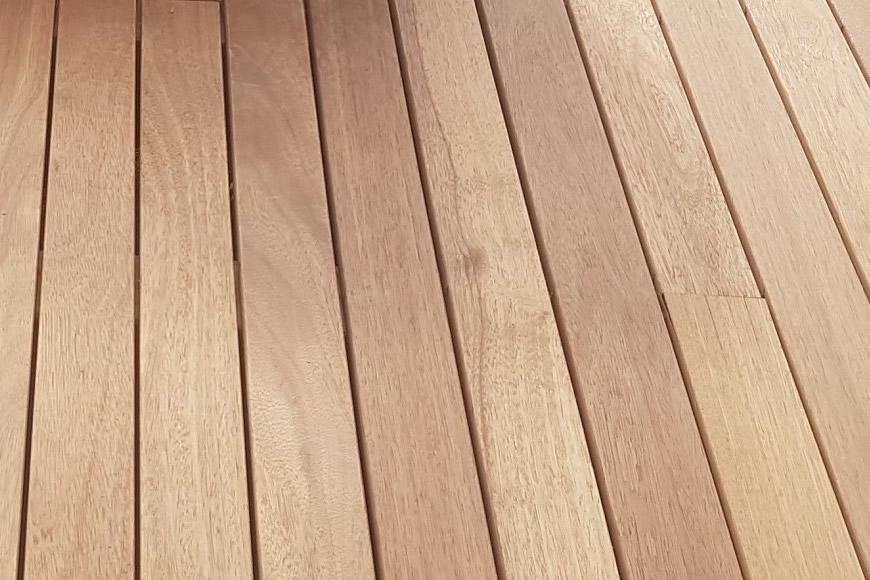 Mantenimiento y limpieza de la madera de teca